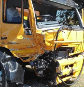 Serious truck crash on the R21 by Voortrekker Road
