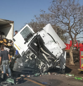 Two injured in truck crash at Murrayhill, Gauteng