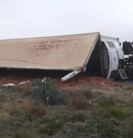 Truck rollover at the T-Junction of Viljoenskroon on the way to Potchefstroom