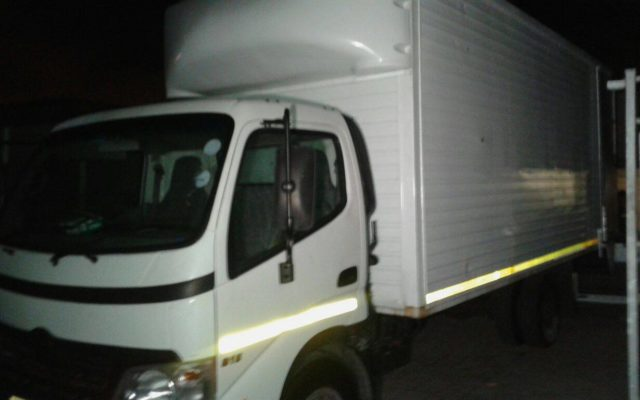 Flying squad members arrest hijacking suspects in Elsies River.