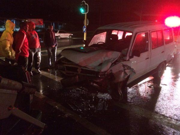 Taxi and truck collide leaving five injured on the Church Street Bridge, Pietermaritzburg