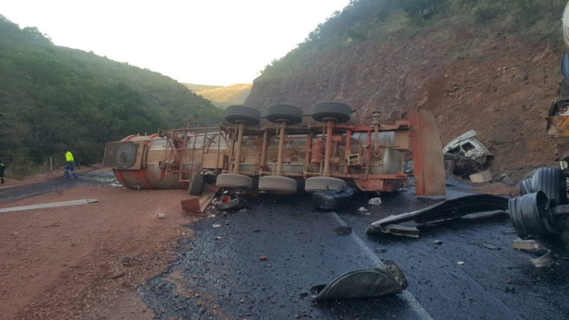 Three trucks collided leaving two dead, two injured at Loskop Dam