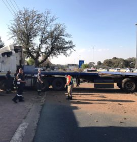 JHB: 2 Injured as truck crash causes major delays on M1 northbound near Woodmead