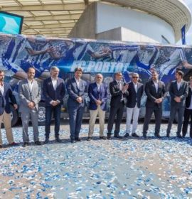 FC Porto enjoys the comfort on a double-decker