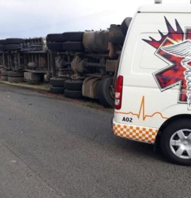 Truck rollover on the R375 between Kimberley and Douglas