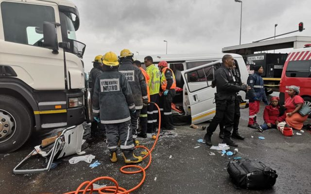 Seven Injured In Head On Collision in Verulam, KZN