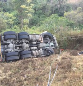 Truck overturns leaving man seriously injured near the Hammersdale turnoff in Hammersdale, KwaZulu Natal.
