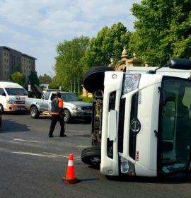 Three workers injured in truck rollover in Fourways