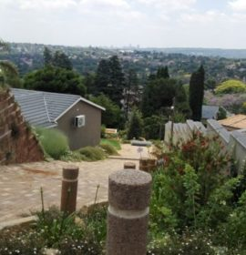 Truck rolls down a steep driveway in Northcliff