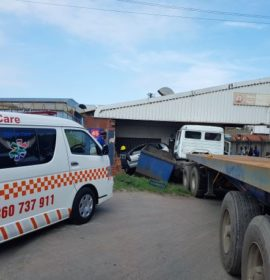 Truck ploughs through business injuring 3, Umbilo