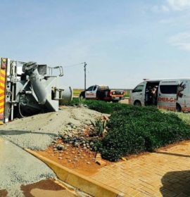 A driver injured when truck overturned after losing control, Centurion