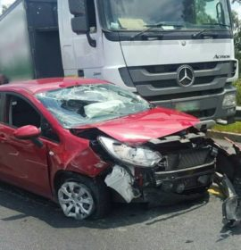 Three people injured in a collision between a truck and a light motor vehicle, Fourways