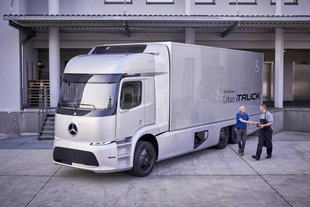 Small Series Mercedes Benz Urban Etruck With Electric Drive Starts In 2017