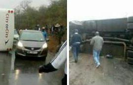 Bus overturned on slippery road next to Levhuvhu farm