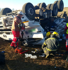 Men trapped for over two hours in overturned truck in Boston, Pietermaritzburg