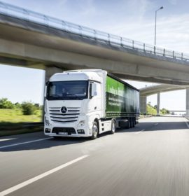 Successful year for Daimler Trucks with unit sales in 2017 significantly higher than in 2016