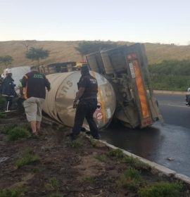 Five people were injured after a truck and trailer overturned near the King Shaka International Airport – KZN.