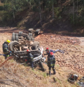Truck overturned leaving one dead in Georges Valley between Tzaneen and Haenertsburg in Limpopo