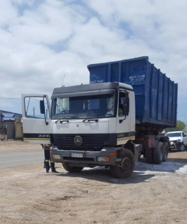 Why small construction business owners need dump trucks