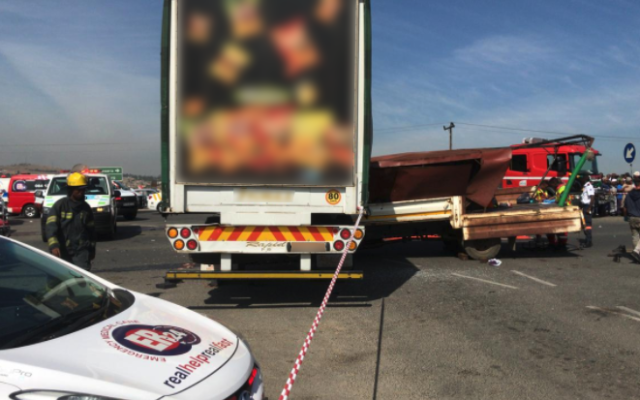 Two trucks collide leaving four dead, approximately fifteen others injured in Cosmo City