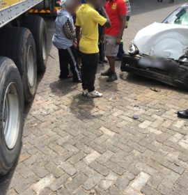 Two injured when bakkie drives into truck in Edenvale