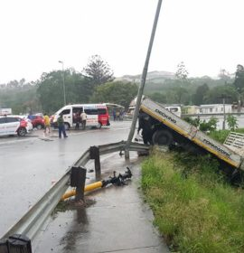 Reportedly Speeding Truck Collides Into Stationary Vehicles: R102 Canelands – KZN