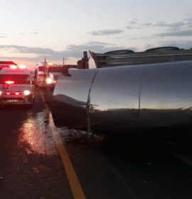 Two trucks collided and one truck overturned on the N3