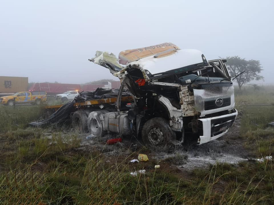 One injured when truck lost control on the N3 South at Van Reenen