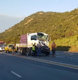 Two trucks was involved in a head rear crash on the N1