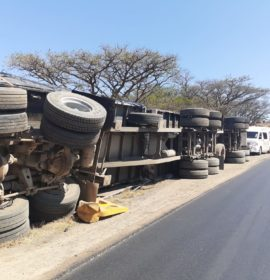Truck rollover on the N3 leaves one injured
