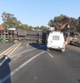 Truck rollover on the N3 leaves two injured