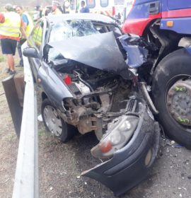 Vehicle lost control during a hijacking attempt and collided with a truck on the N5