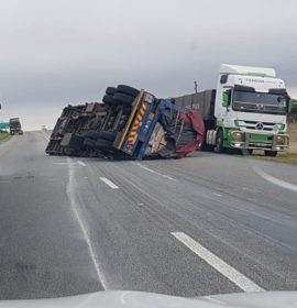 Truck rollover on N1