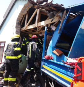 Truck crashes into house leaving three injured in Meyerton