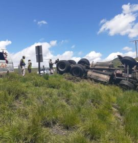 Truck rollover near Harrismith