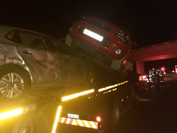 Vehicle carrier in road crash on the N3 South near Harrismith