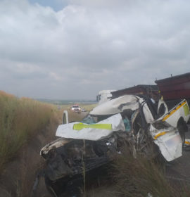 Truck and bakkie collide leaving man seriously injured on the R547