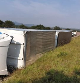 Truck rollover on the N1 south of Polokwane near Star Stop