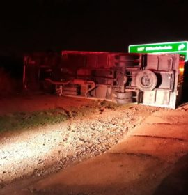 Truck rollover on the R23