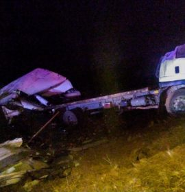 A truck lost control and overturned leaving three injured on the N3