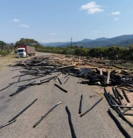 Vehicles re-routed after cargo is lost in Georges Valley