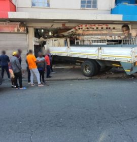 Gauteng: Four injured after truck crashes into hair salon