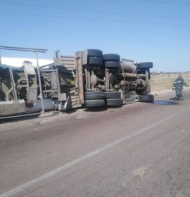Tanker rollover on the R101 just after Meropa turn-off towards Polokwane Weighbridge.