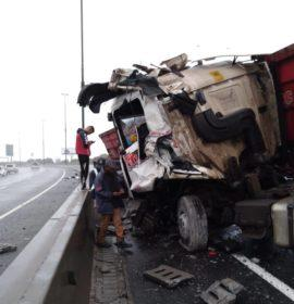 One person injured in a truck crash on the N3 , Bedfordview