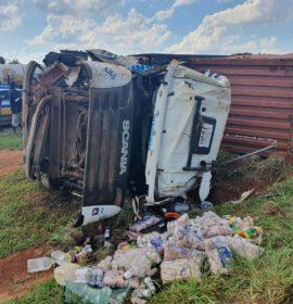 Truck rollover and multiple vehicle collision on the R21