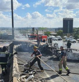 Two killed in a truck and two-vehicle collision in Midrand