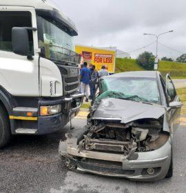 One seriously injured in a truck and vehicle collision in Midrand