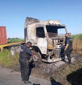 Truck destroyed in a vehicle fire in Inanda