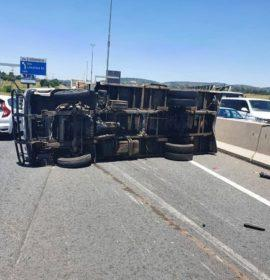 Truck rollover on the N3