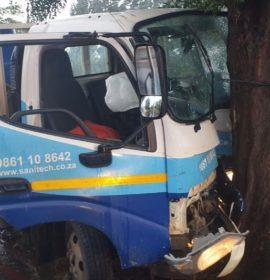 One injured as truck crashes into tree in Primrose